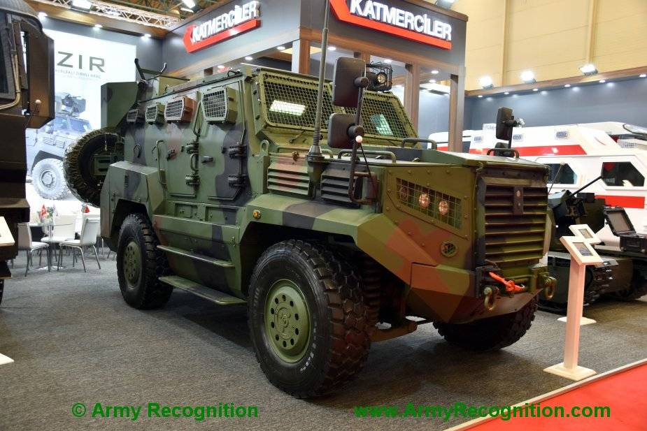 Uganda_could_be_the_customer_of_Hizir_4x4_armored_from_Katmerciler_of_Turkey_925_001.jpg