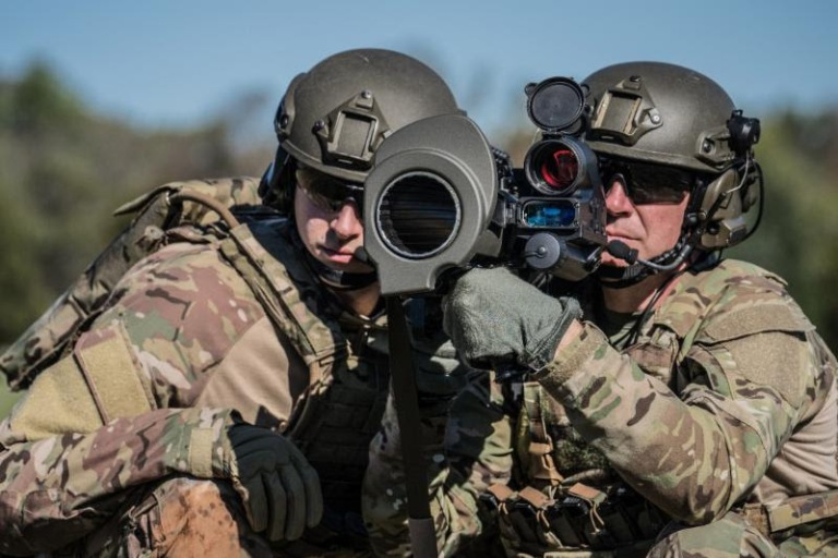 US-Army-Buys-Aimpoint-FCS13-RE-Sights-for-Carl-Gustaf-M3-E1-MAAWS-Recoilless-Rifles-2.jpg