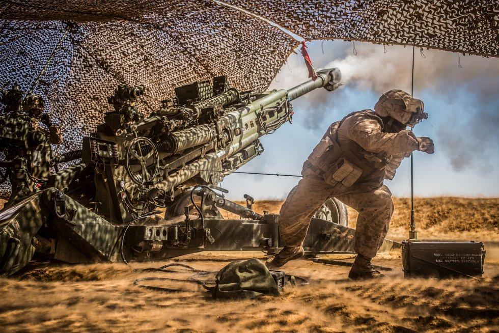 us-marine-artillery-syria-3419567.jpg