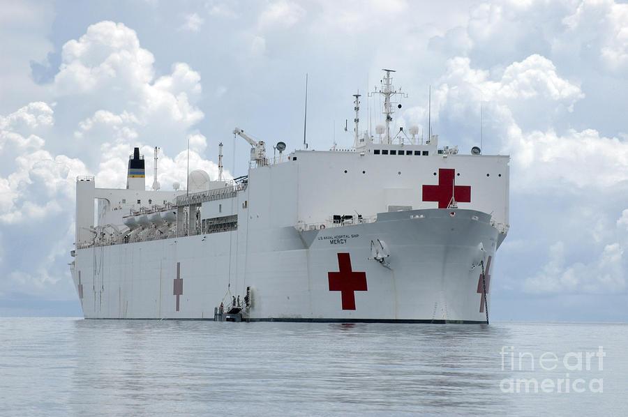 us-naval-hospital-ship-usns-mercy-stocktrek-images.jpg