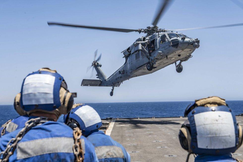 us-navy-dock-landing-ship-uss-carter-hall-lsd-50-departs-aqaba-jordan-3.jpg