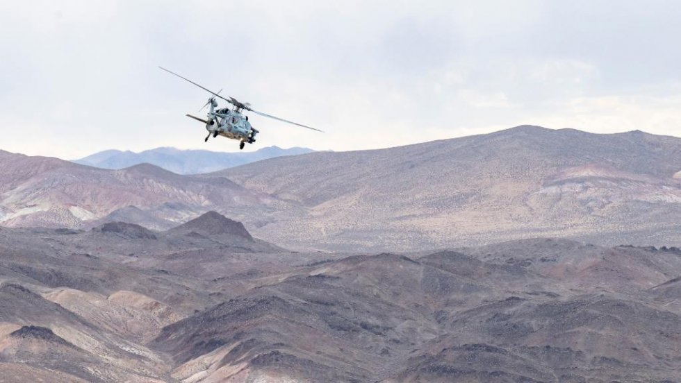 us-navy-sea-combat-squadron-4-mh-60s-helicopter-conduct-live-firing-exercise-2.jpg