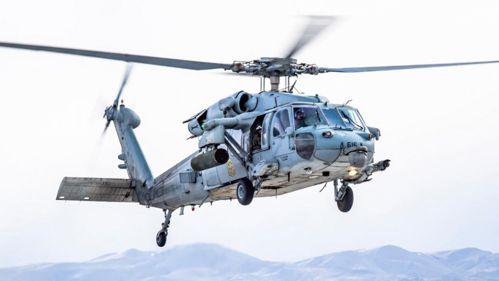 us-navy-sea-combat-squadron-4-mh-60s-helicopter-conduct-live-firing-exercise.jpg