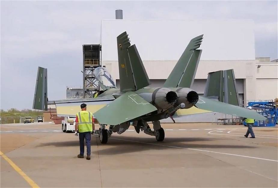 US_Navy_test_squadrons_takes_delivery_of_first_Block_III_FA-18_Super_Hornet_fighter_jets_925_001.jpg