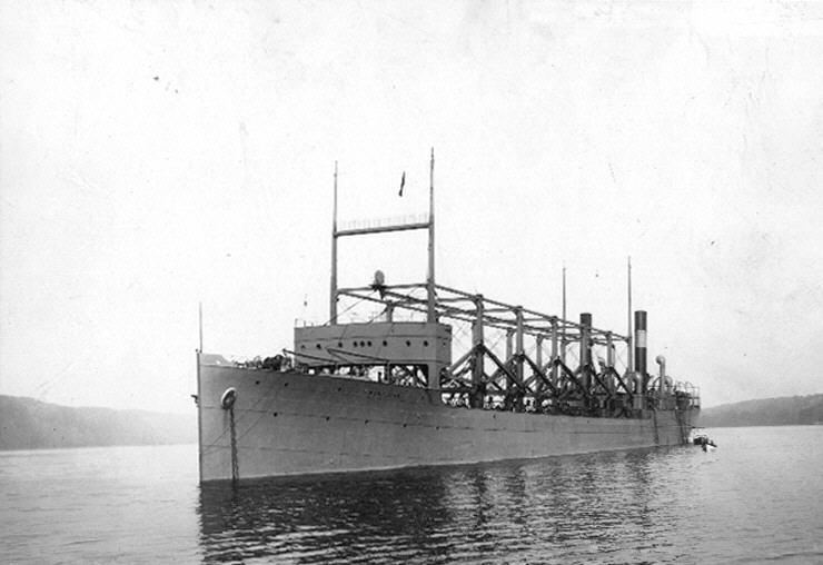 USS_Cyclops_in_Hudson_River_19111003.jpg
