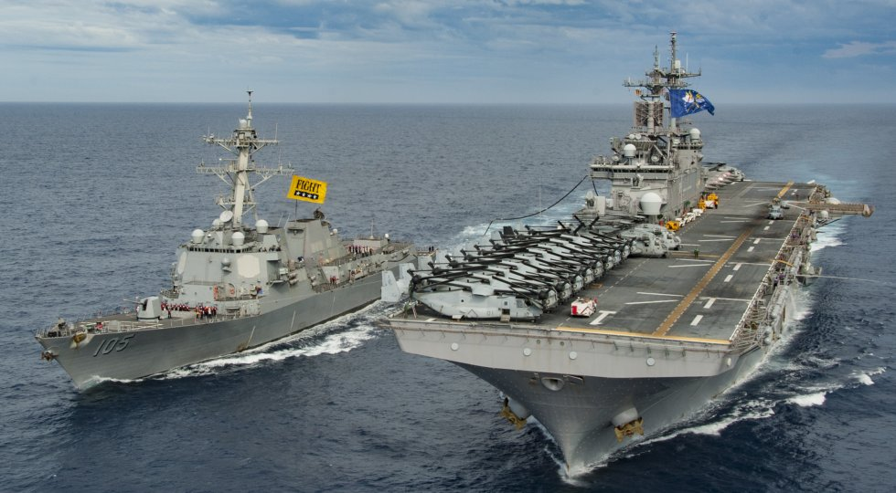 USS_Dewey_(DDG_105)_receives_fuel_from_USS_Wasp._(39621103260).jpg