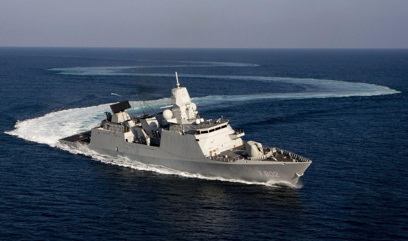Zeven_Provincien_frigate.jpg